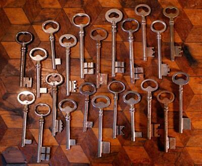 22 Vintage French Rustic Iron Steel Chateau Gate Door Skeleton Keys Steampunk O