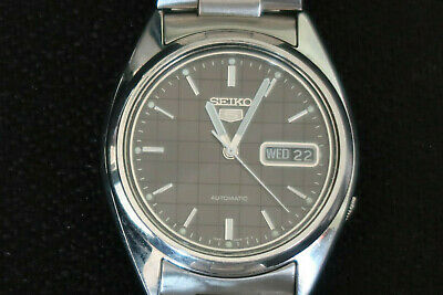 Seiko 7S26 Mens Automatic Watch Stainless Steel Strap Grey Black Dial A Classic