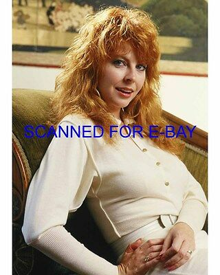 ELVIRA CASSANDRA PETERSON el014 8X10 PHOTO MISTRESS OF THE DARK SEXY NEW