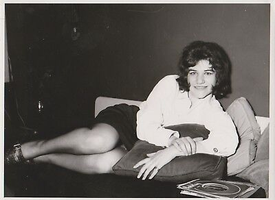 PIN UP BELGE MODE 60's JAMBES Photo Presse Originale