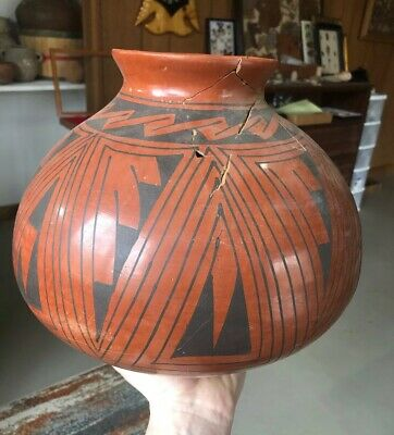 "MLC S2914 11"" Red And Black Signed Pot Pottery Painted"