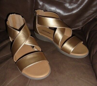 4556487033c3 Comfortview Gold Strappy Closed Heel Gladiator Sandal Women s Size 9M NEW
