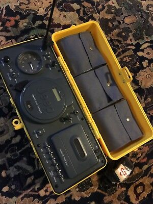 VTG 1995 Telemania Jeep Water Resistant Portable Stereo CD AM/FM Radio Cassette