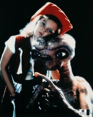 Drew Barrymore Signed Autographed 8X10 Photo E.T. Gertie with Cowboy Hat 838123