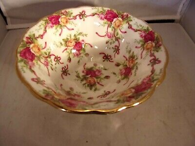 ROYAL ALBERT OLD COUNTRY ROSES Ruby Celebration Ribbon Collection Bowl