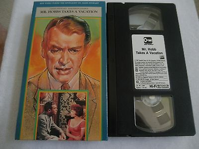 Mr. Hobbs Takes a Vacation (VHS, 1988)