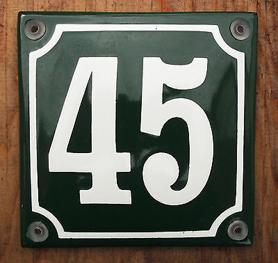 CLASSIC ENAMEL HOUSE NUMBER SIGN. CREAM No.45 ON A GREEN BACKGROUND. 10x10cm..