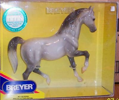 #1103 2000 Collectors Edition PIPPIN a GLOSSY Rose Gray FAS - New In Box!