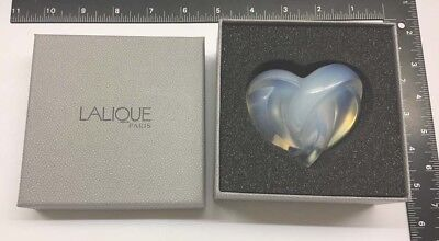 Authentic Lalique Opalescent Crystal Entwined Knotted Heart Paperweight NIB