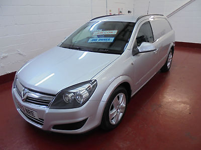 2013 13 VAUXHALL ASTRA SPORTIVE VAN 1.7CDTi 16v 110PS IN SILVER AIR CONDITIONING