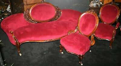 Early Victorian Carved Walnut Upholstered Salon Suite c.1840