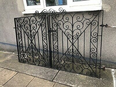 PAIR OF WROUGHT iron driveway gates used - £20 00 | PicClick UK