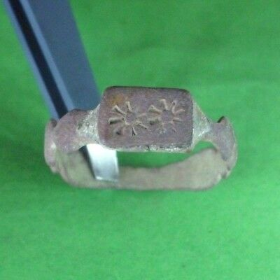 Superb Ancient Roman Bronze Ring  -  200/300 Ad