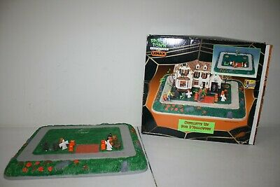 "Lemax Halloween Spooky Town A Night of ""Trick or Treat"" #34887 Retired - AS IS"