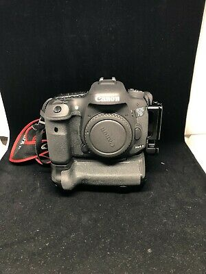 Canon EOS 7D Mark II - 20.2MP Digital SLR Camera - Black (Body Only) (~3000 SC)