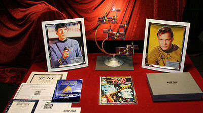 STAR TREK CHESS SET, William Shatner, Leonard Nimoy Signed AUTOGRAPH, COA, UACC