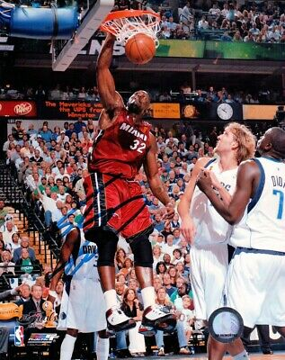 Shaquille O'Neal Signed Autographed 8X10 Photo Miami Heat One Hand Dunk w/COA