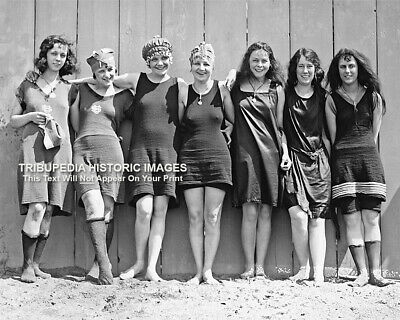 1920s FLAPPER GIRLS SWIMSUITS Photo - Flappers Jazz PROHIBITION ERA Roaring 20s