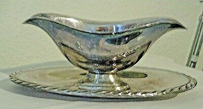 "Gravy Boat w/ Attatched Plate 8 1/2"" Silver Plate NICE!"