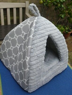 LOVELY FAUX FUR  Wigwam Removable Cushion.Small Dog Or Cat.