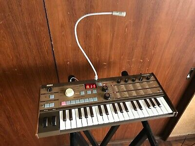 KORG MICROKORG SYNTHESIZER/VOCODER GOLD Limited w/ gig bag, mic, power  supply