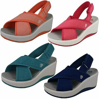 4831b3bbdf4a  Ladies Clarks Cloudsteppers  Wedge Slingback Sandals - Step Cali Cove.