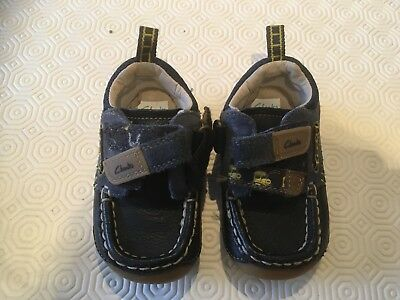 f5b2cca9fcdc CLARKS BABY BOY first shoes size 3 F - £10.99