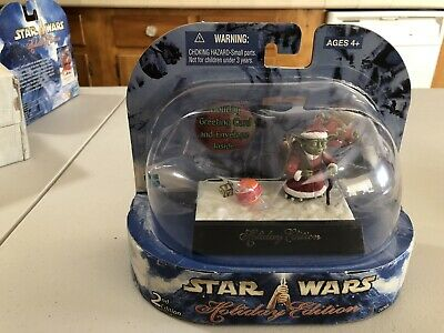 Yoda Star Wars Holiday Edition UNOPENED MINT FIGURE SET