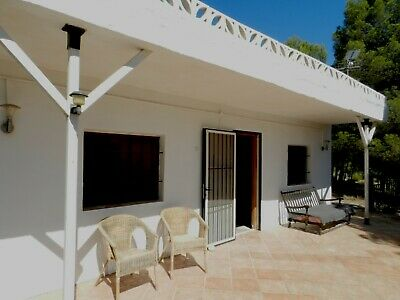 Lovely 4 Bed House near Valencia, Spain. Tranquil area with beautiful views.