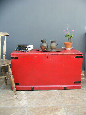 antique solid pine trunk / chest / Toy box / shop window display / coffee table