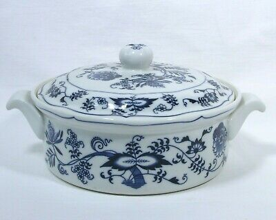 "Blue Onion Deign by BLUE DANUBE 1.5 Qt Round Covered Casserole 8"" x 4-3/4  js"
