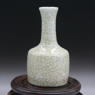 Chinese old hand-made cracked glaze  vase
