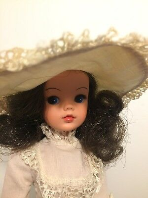 Latest Fashion Bright 1977 Royal Occasion Sindy Doll In Original Dress & Hat Htf Gorgeous Brunette