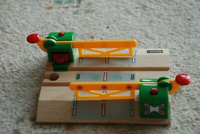 BRIO magnetic train crossing for wooden train sets