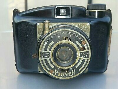 VINTAGE CAMERA PIONYR DURO FIT CZECH CHECHOSLOVAKIA 60's BAKELITE PHOTO CAMERA