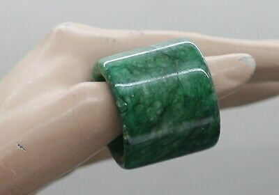 Fantastic Antique Chinese Archer Ring Made Of Malachite Suits A Man's Finger