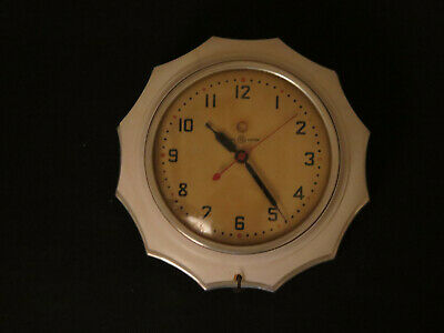Vintage General Electric wall clock EXCELLENT Working Condition Model # 2F02