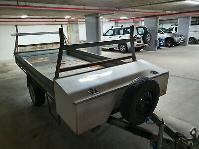 2005 trailer with racks & toolbox (1.9m X 2.8m)
