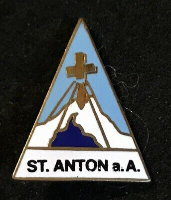 ST ANTON am Arlberg Skiing Pin Badge AUSTRIA Tyrol Tirol Souvenir Travel Lapel