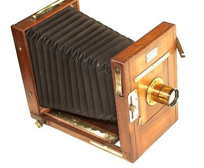 """Wooden French camera antique,  From """"DEROGY, Opticien Paris"""""""