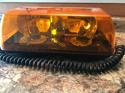 ECCO 5315-VM - Safety Mini Light Bar Amber Suction Mount AC Plug Works Tested