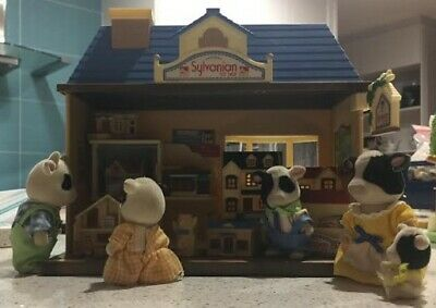 Sylvanian Family Toy Store with Rare Hard to Find Buttercup Cow Family