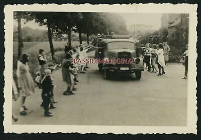 Photo Ww2 Civils Victoire German Civilians Victory Truck Lkw Camion Opel Blitz