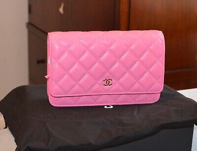 acc3c4bad704 NWT CHANEL QUILTED Gold Chain Flapbag Leather Crossbody Handbag ...