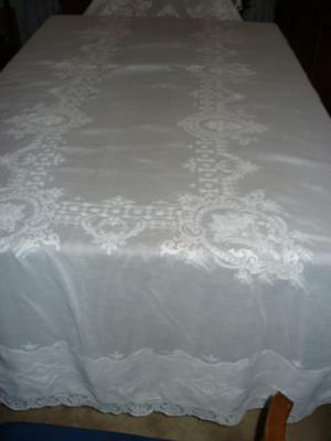Vintage Linen Cotton Tablecloth Embroidery Lace Trim 64 x 120 White on White