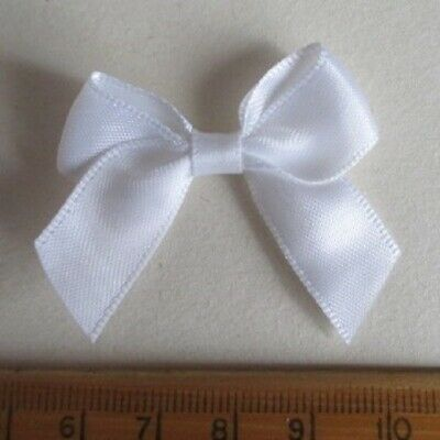 50 x WHITE SATIN BOWS SUITABLE WEDDING INVITATIONS CARD MAKING CRAFTS SCRAPBOOK