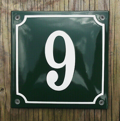 CLASSIC ENAMEL HOUSE NUMBER 9 SIGN. CREAM No.9 ON A GREEN BACKGROUND. 16x16cm.