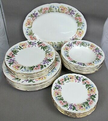 """Beautiful vintage Paragon """"Country Lane""""  Dinner Service Set for 6. Plates bows."""