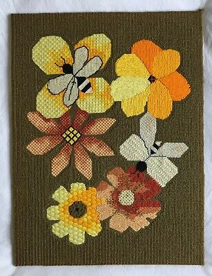 Amazing Vintage retro BEE  Flower Tapestry picture NEEDLEPOINT Cushion Project ?
