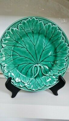 Wedgwood Etruria Barlaston Majolica Green leaf and pronounced stem 8 in. $40.